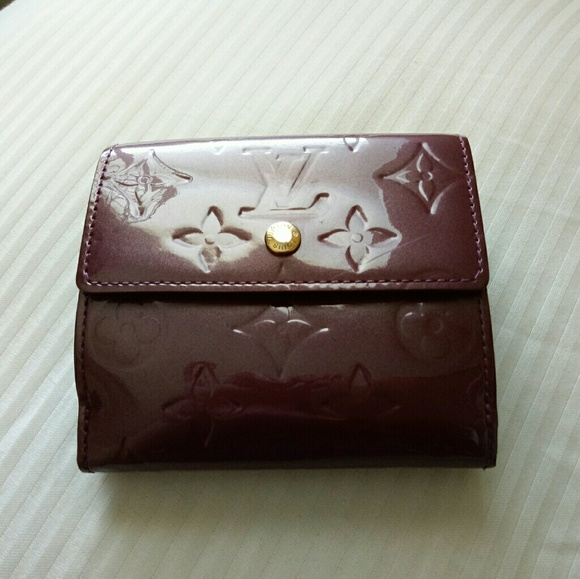 Louis Vuitton Handbags - Auth LV Vernis billets cartes credit wallet